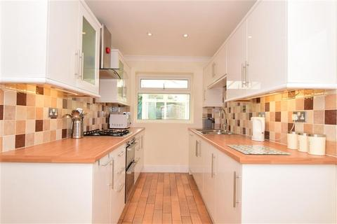 4 bedroom semi-detached house for sale - Alicia Avenue, Wickford, Essex