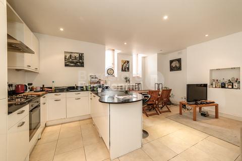 3 bedroom flat to rent - Elmbourne Road, Balham