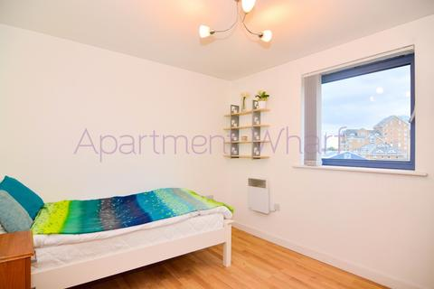 1 bedroom flat share to rent - Sherwood Gardens, London, E14