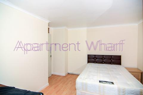 1 bedroom in a flat share to rent - DEE STREET LONDON, London, E14