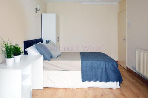 1 bedroom flat share to rent - DEE STREET LONDON, London, E14