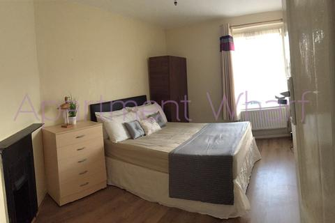 1 bedroom flat share to rent - Bracken House Watts Grove, London, E3