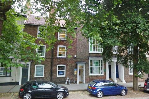 4 bedroom terraced house for sale - The Mount,  York