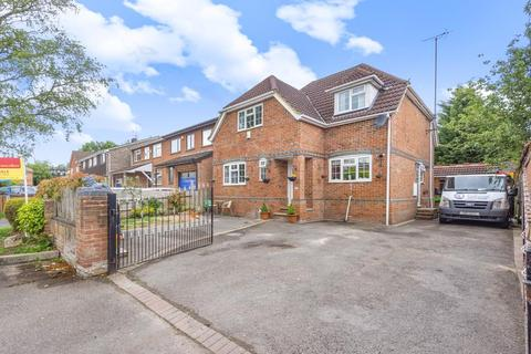 4 bedroom detached house for sale - Chestnut Grove, Purley on Thames, RG8