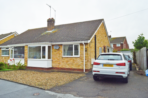 2 bedroom bungalow to rent -  Molescroft Park,  Beverley, HU17