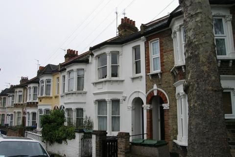 2 bedroom flat to rent - Inverine Road, Charlton, SE7