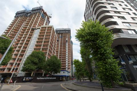 3 bedroom apartment for sale - Maine Tower, Harbour Central, Lighterman's Road, E14