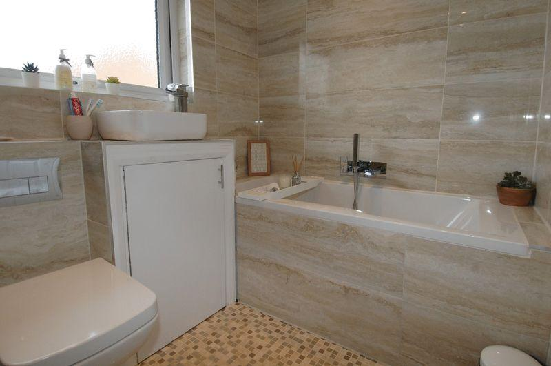 Shower Room/Bathroom
