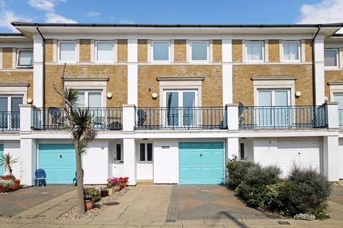 4 bedroom house to rent - Victory Mews, Brighton Marina, Brighton BN2 5XB