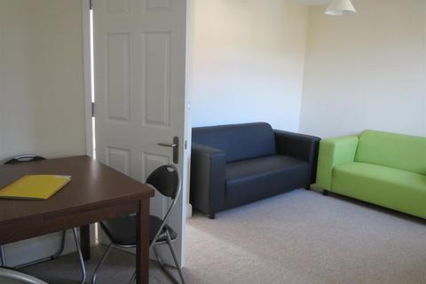 4 bedroom maisonette to rent - Hollingdean Terrace, Brighton