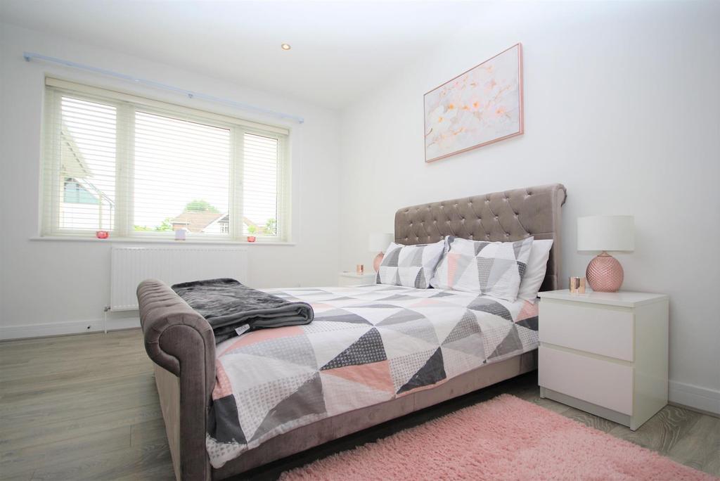 Bedroom 2 1.jpg