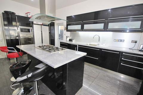 5 bedroom semi-detached house for sale - Nimrod Rd, Furzedown, London