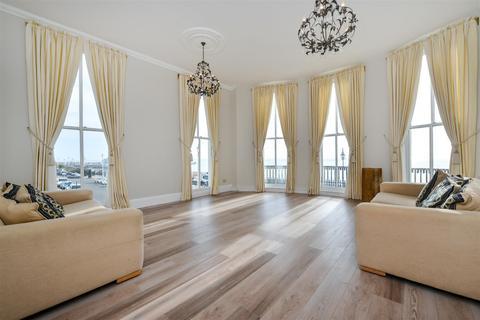 3 bedroom flat to rent - Percival Mansions, Percival Terrace, Brighton, BN2 1FP