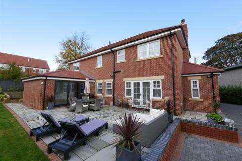5 bedroom detached house - Steep Hill, Middle Herrington, Sunderland