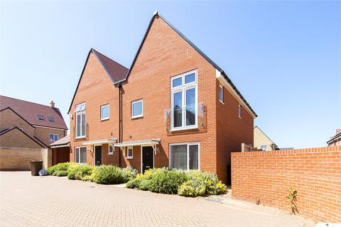 3 bedroom semi-detached house for sale - Fairway Drive, Chelmsford, Essex, CM3