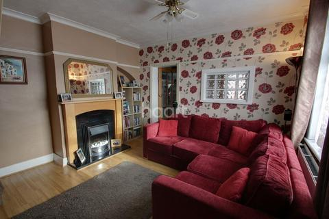 2 bedroom end of terrace house for sale - Suttons Avenue, Hornchurch