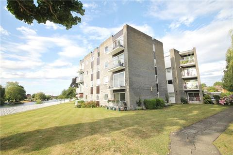 2 bedroom apartment for sale - Glen Court, Riverside Road, Staines-upon-Thames, Surrey, TW18