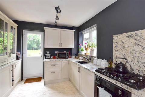 3 bedroom semi-detached house for sale - Rushford Close, Headcorn, Kent