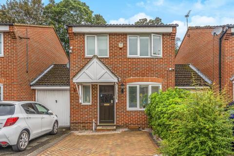 3 bedroom detached house for sale - Bankside Close, Isleworth, TW7