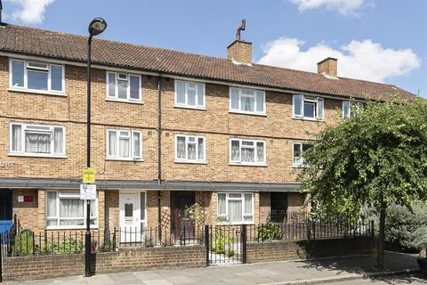 3 bedroom maisonette for sale - Dynevor Road, London, N16