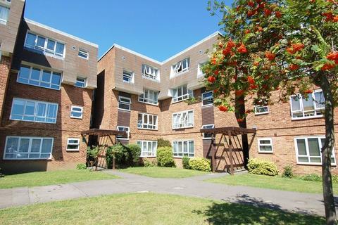 2 bedroom flat for sale - Hanworth