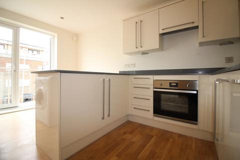 2 bedroom flat to rent - Kingston Road, New Malden KT3