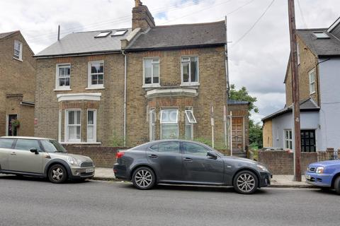 1 bedroom flat for sale - Angels Road, Streatham, London, SW16