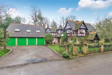 6 bedroom detached house to rent - St Leonards Hill, Windsor, Berkshire