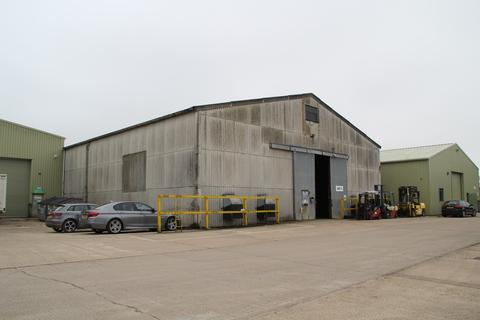 Industrial unit to rent - Chestnut Lane, Bassingbourn