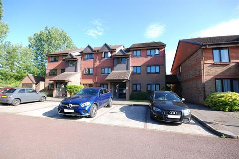 2 bedroom flat to rent - Maltings Court, Maltings Lane, Witham, Essex