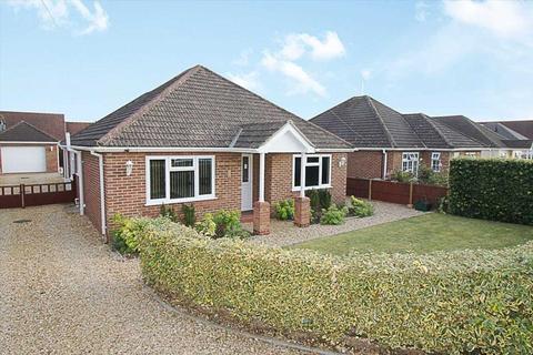 3 bedroom bungalow for sale - Elmhurst Drive, South Wootton