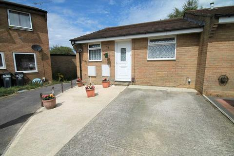 2 bedroom bungalow for sale - Slepe Crescent, Poole