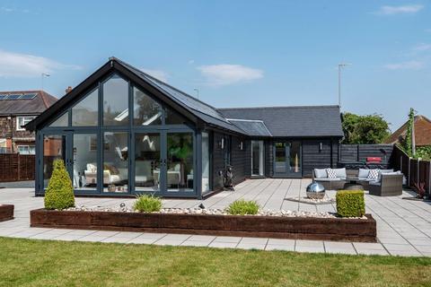 2 bedroom barn conversion for sale - Barton Road, Streatley, Bedfordshire, LU3