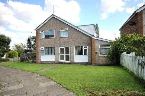 4 bedroom detached house for sale - Holt Walk, Holt Park, Leeds, West Yorkshire