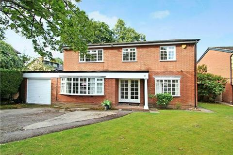 4 bedroom detached house to rent - Hazelwood Road, Hale