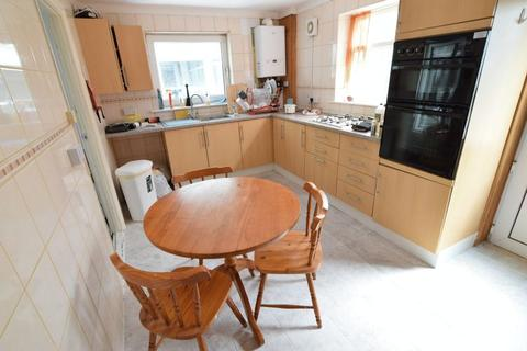 4 bedroom terraced house to rent - Staplefield Drive, Brighton