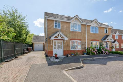 3 bedroom semi-detached house for sale - Redwing Rise, Royston, SG8