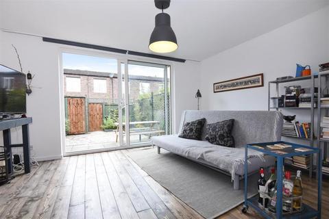 3 bedroom terraced house to rent - Arabella Drive, Putney SW15