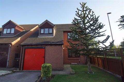 4 bedroom detached house for sale - Burr Tree Drive, Leeds