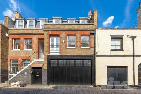 4 bedroom house to rent - Weymouth Mews, West End, W1G