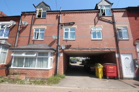 3 bedroom flat to rent - Doncaster Road, Leicester, LE4