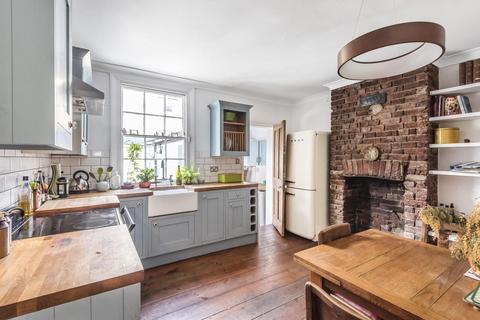 2 bedroom semi-detached house for sale - Archbishops Place, Brixton Hill