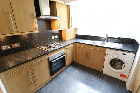 2 bedroom flat to rent - Totteridge Road, Enfield, EN3