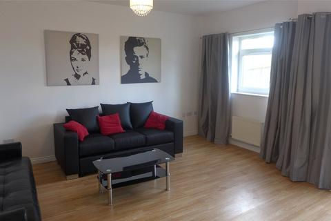 4 bedroom terraced house to rent - Paladine Way, New Stoke Village, Coventry, West Midlands, CV3