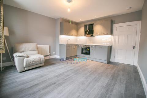 1 bedroom maisonette to rent - High Street, Burnham
