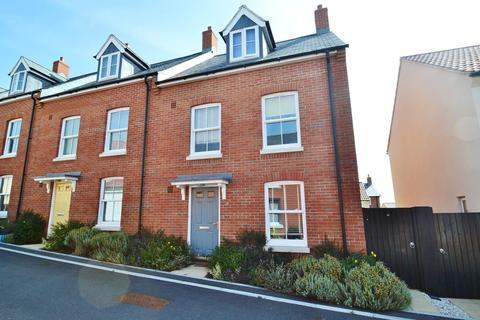 4 bedroom terraced house for sale - Weymouth