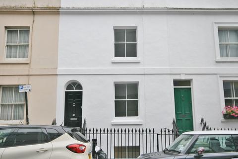 4 bedroom terraced house to rent - Robert Street, Brighton BN1