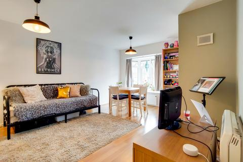2 Bed Flats To Rent In Crystal Palace Apartments Flats To Let Onthemarket