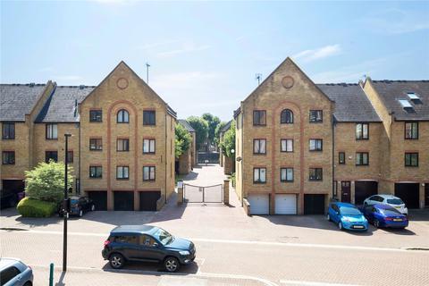 2 bedroom flat for sale - Cape Yard, Kennet Street, Wapping, London, E1W