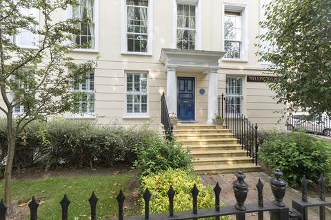 2 bedroom apartment to rent - Wellington Place, London Road, Cheltenham GL52 6EW